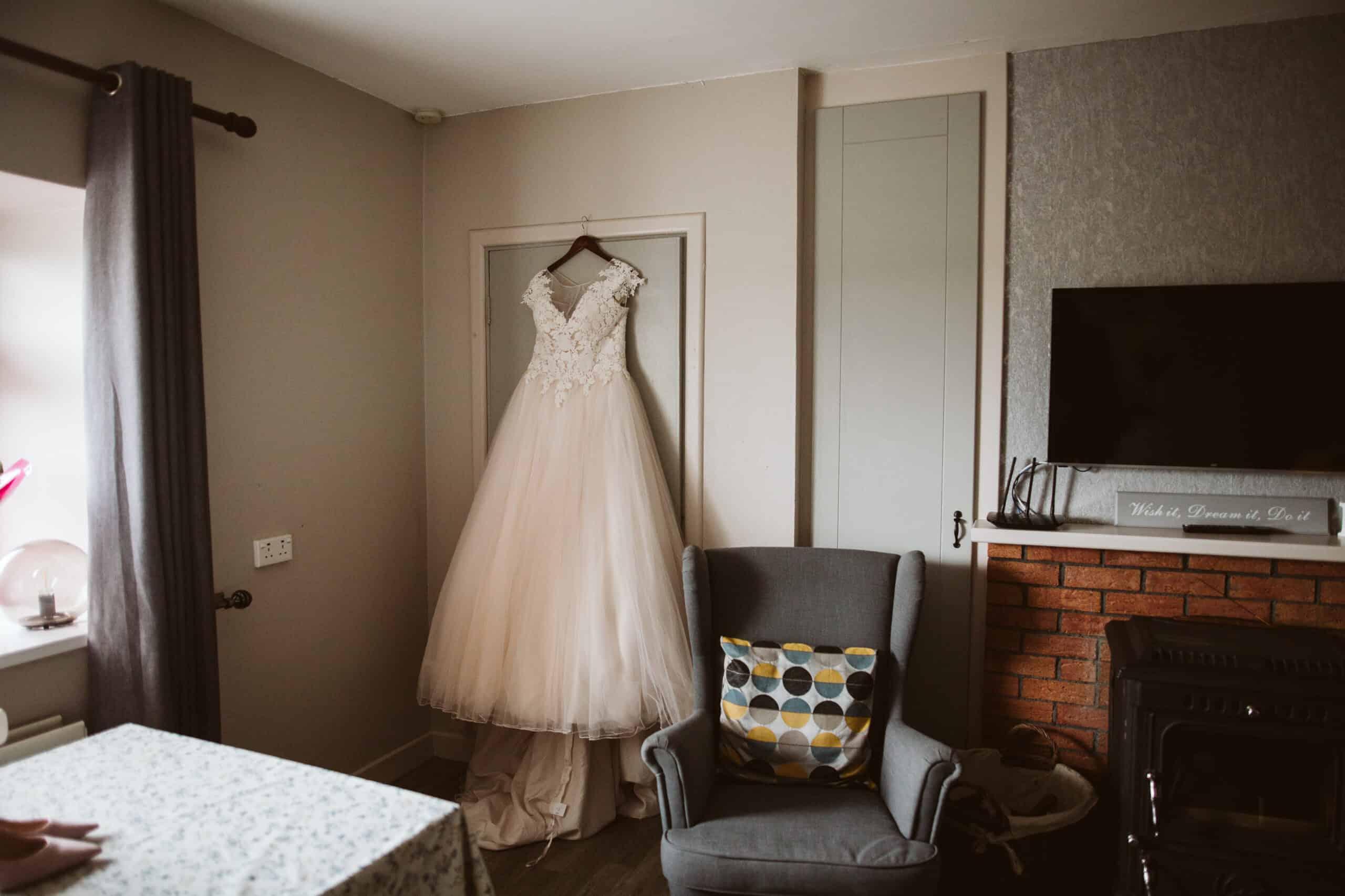 Cliffs of Moher Wedding Hags head, lace wedding dress